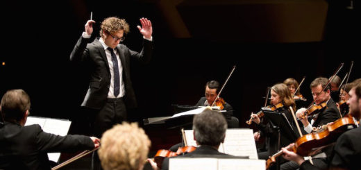 Teddy Abrams conducts the Louisville Orchestra